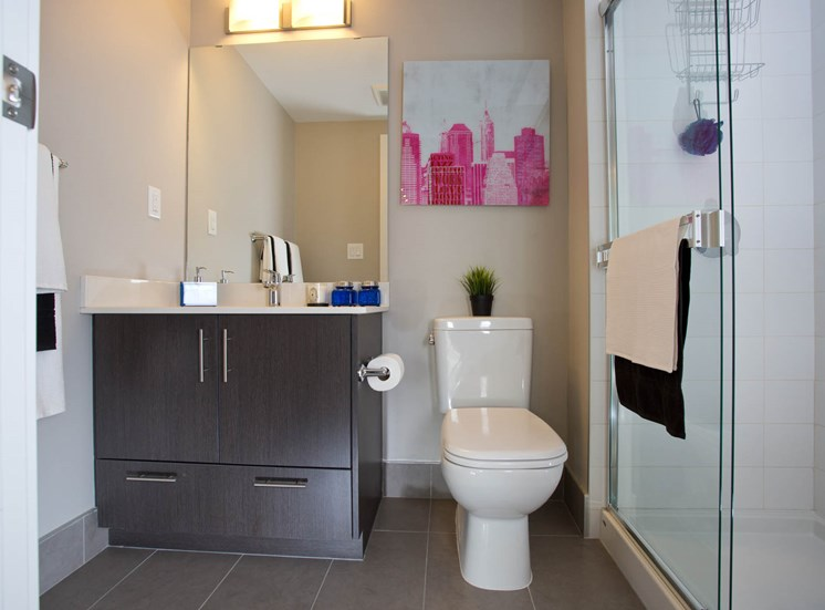 The Urban - 2 BR powder room