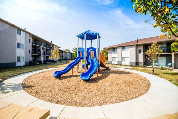 Willowbrook Lake Apartments in Indianapolis, IN