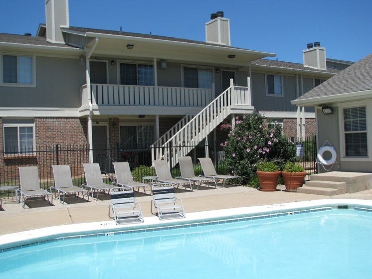 Outdoor Pool at Hearth Hollow Apartments in Derby, KS