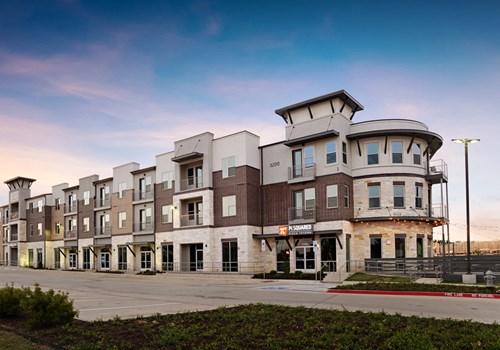Epic Apartments Community Thumbnail 1