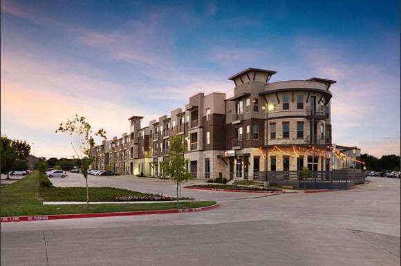 Epic Apartments 3200 S Interstate 35 E Denton Tx Rentcafé