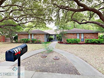 122 Shadybrook Drive 3 Beds House for Rent Photo Gallery 1
