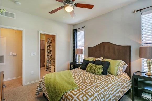 La Villita Apartments 6727 Deseo Irving Tx Rentcaf