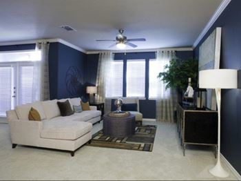 401 W Northwest Hwy Studio-3 Beds Apartment for Rent Photo Gallery 1