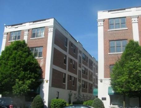 Apartments at 400 Elmwood Community Thumbnail 1