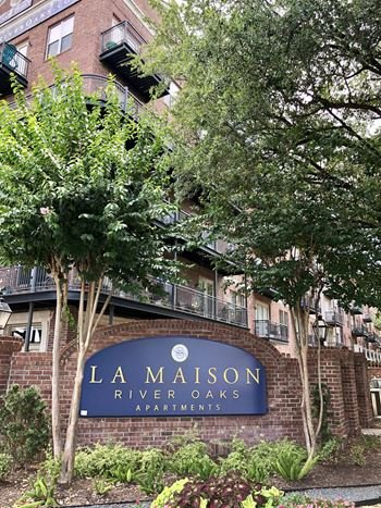 2727 Revere Street 1-2 Beds Apartment for Rent Photo Gallery 1