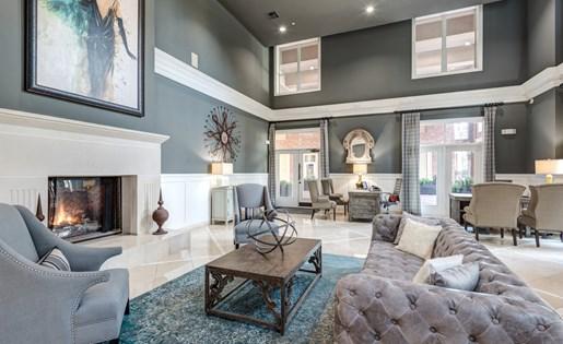 Lobby Seating Area at La Maison River Oaks Apartments in Houston, Texas