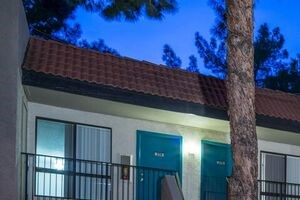 1701 E. 8th Street Studio-2 Beds Apartment for Rent Photo Gallery 1