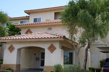 2510 Morton Avenue 1-2 Beds Apartment for Rent Photo Gallery 1