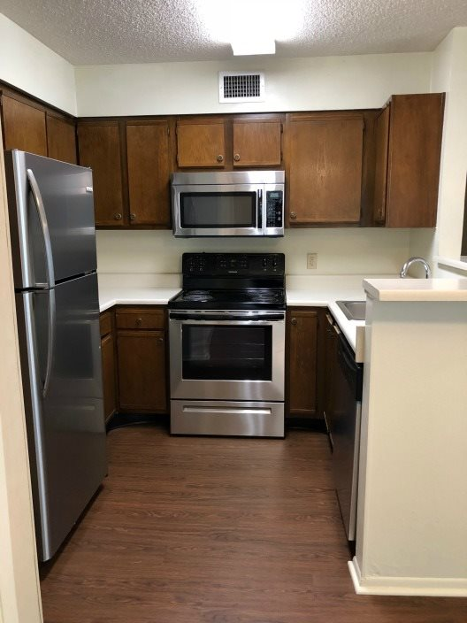 stainless steel appliances available upon request