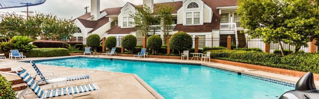 Sparkling pool at Rosewood Apartments in Alexandria, LA.