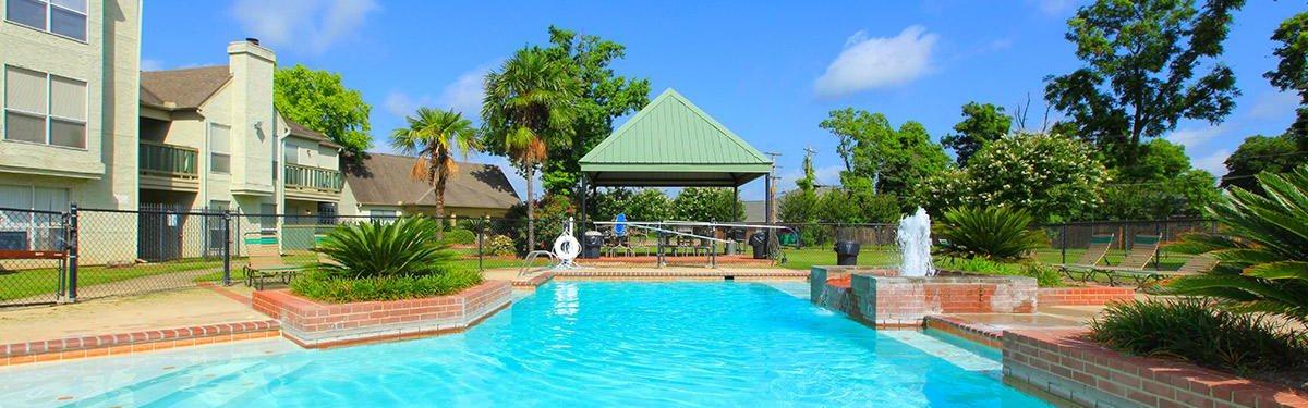 Beautiful pool at Pecan Grove in Alexandria Louisiana