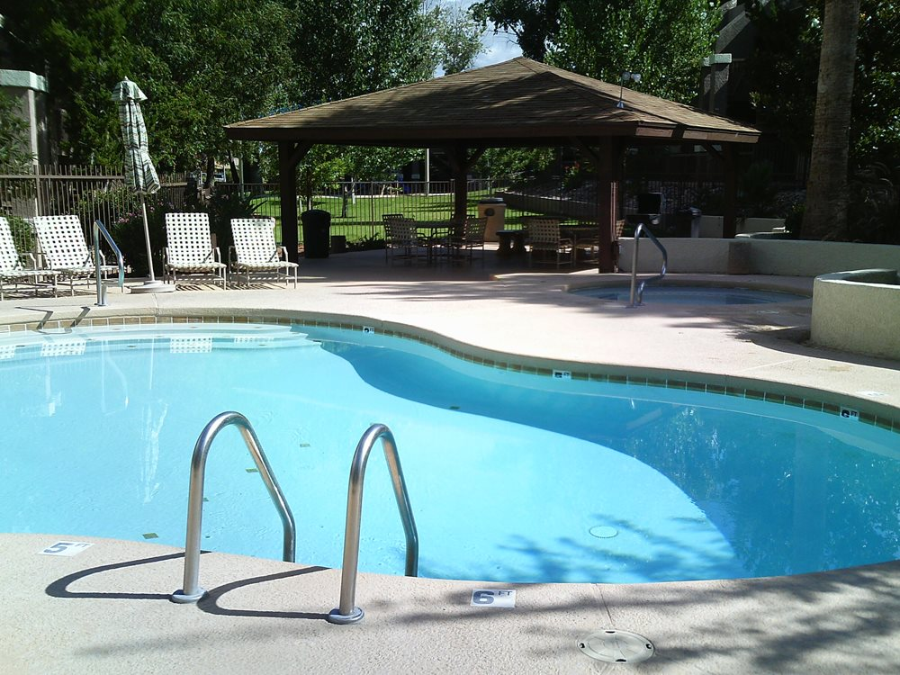 Swimming Pool at Highland Woods Apartments