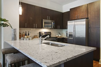 85 University Avenue 1-2 Beds Apartment for Rent Photo Gallery 1