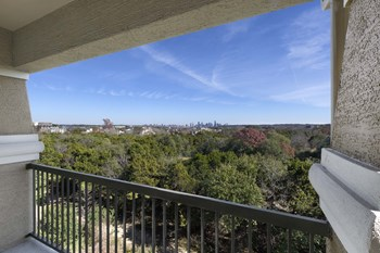2301 South Mopac 3 Beds Apartment for Rent Photo Gallery 1
