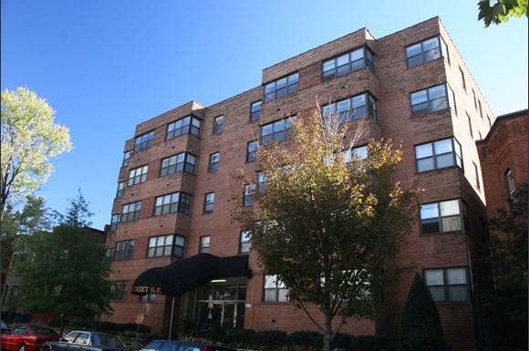 215 C Street Apartments 215 C Street Se Washington Dc Rentcafe