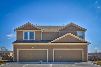 Cedar Springs 3 Beds Duplex/Triplex for Rent Photo Gallery 1