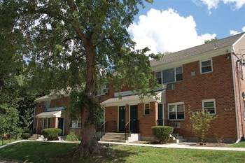 2 Lakeview Drive 1-3 Beds Apartment for Rent Photo Gallery 1