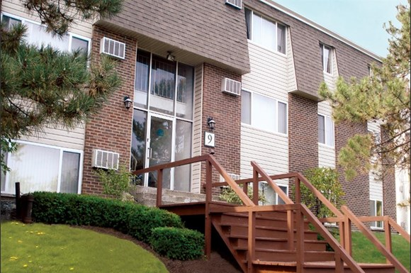 Highland Club Apartments, 20 Eastview Drive, Watervliet, NY - RENTCafé