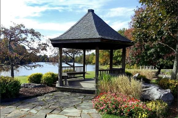 Green Lake Apartments Orchard Park Ny
