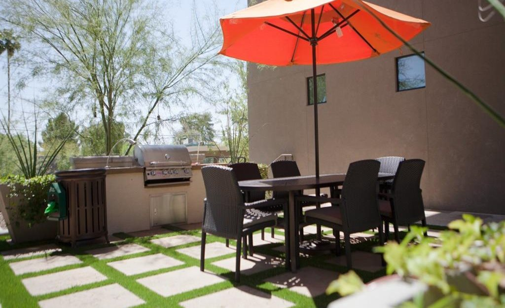 Outdoor Dining Area Biltmore at Camelback, Phoenix, AZ,85016