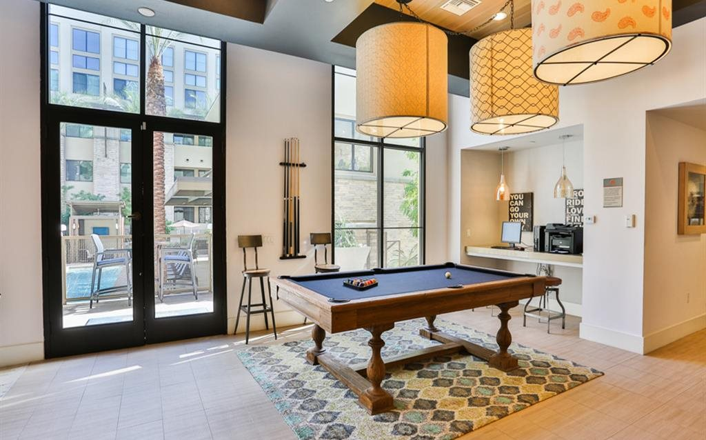 Luxury Phoenix AZ Apartments -Biltmore at Camelback Lounge with Billiards Table and Kitchen