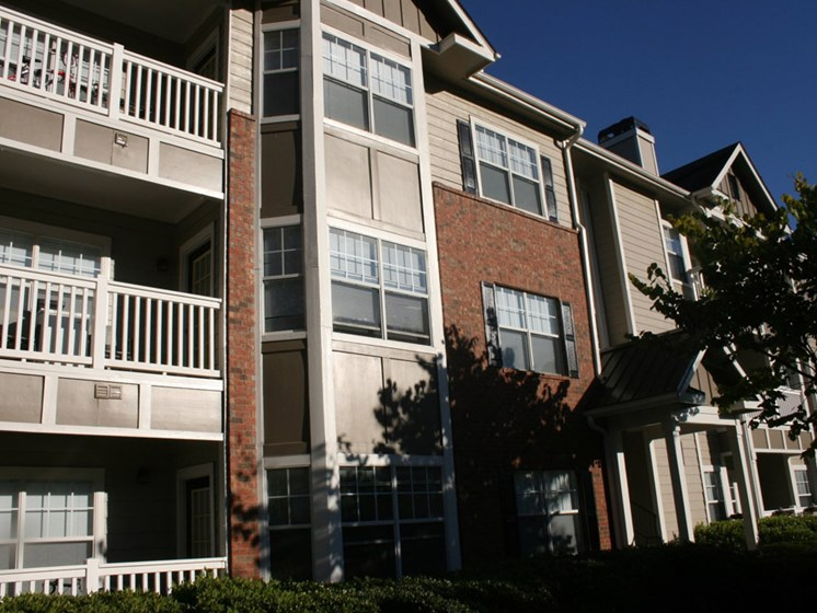 Sophisticated Apartments at Grande Oaks