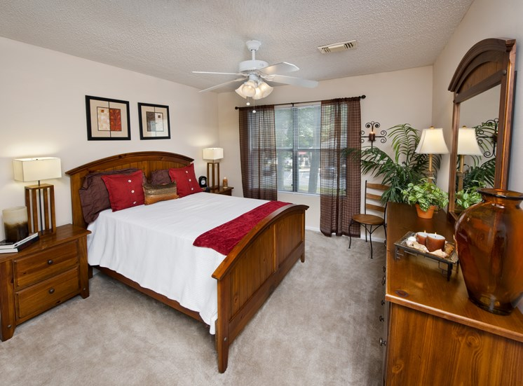 Live in cozy bedrooms with modern lighting and Ceiling fan at Brook Valley, Douglasville, GA,30135