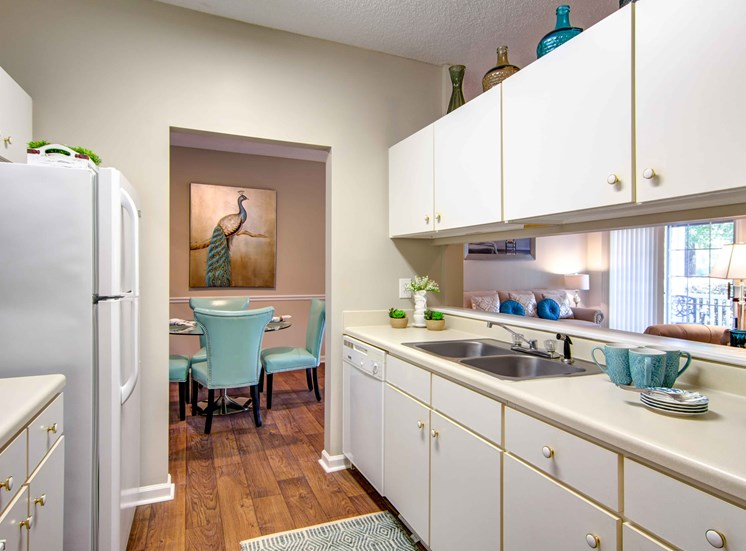 Gourmet Kitchens at Bradford Place Apartments, Warner Robbins, Georgia