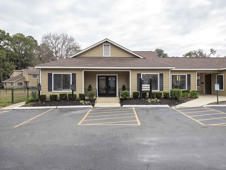 All-Access Location at Royal Oaks Apartments, Savannah, GA