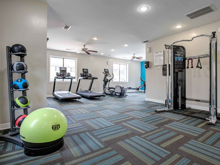 Fitness Center Access at Royal Oaks Apartments, Georgia