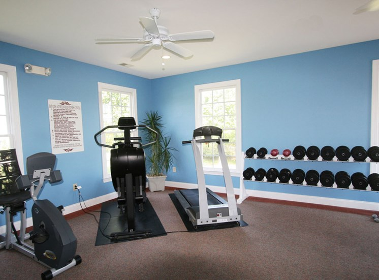 Fitness Center at Estates at Bellwood