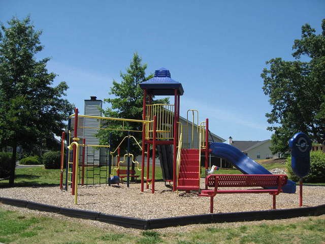 playground at Estates at Bellwood, Greenville, SC,29607