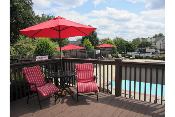 Poolside Sundeck at Estates at Bellwood, 29607