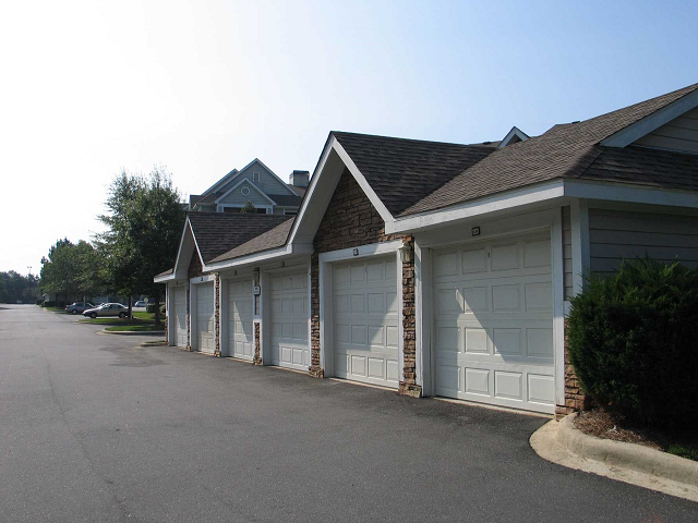 garages at Lodge at Mallard Creek, 28269