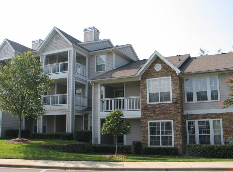 Renovated Apartment Homes Available at Lodge at Mallard Creek Apartments, 7815 Chelsea Jade Lane, Charlotte, 28269