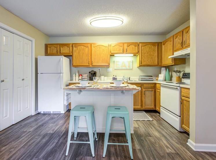 Rich Shaker Style Cabinetry at Quad Apartments, Wilmington