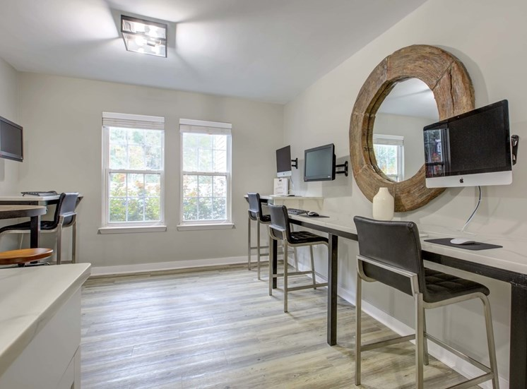 Business Center with High Speed Internet Access at Quad Apartments, North Carolina