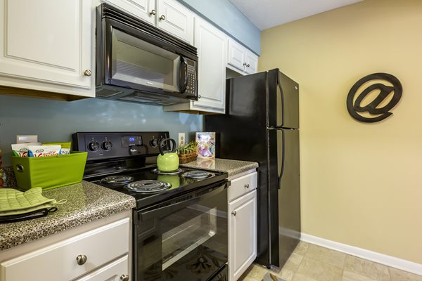Over-the-Range Microwaves at Cypress Pointe Apartments, Wilmington