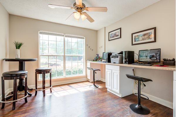 Modern Computer Lab at Cypress Pointe Apartments, Wilmington, NC, 28403