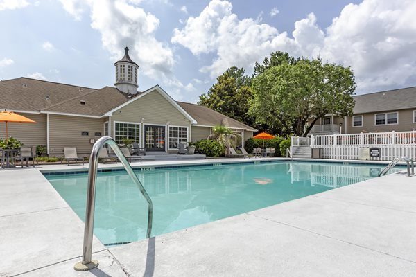 Large Swimming Pool at Cypress Pointe Apartments, Wilmington, 28403