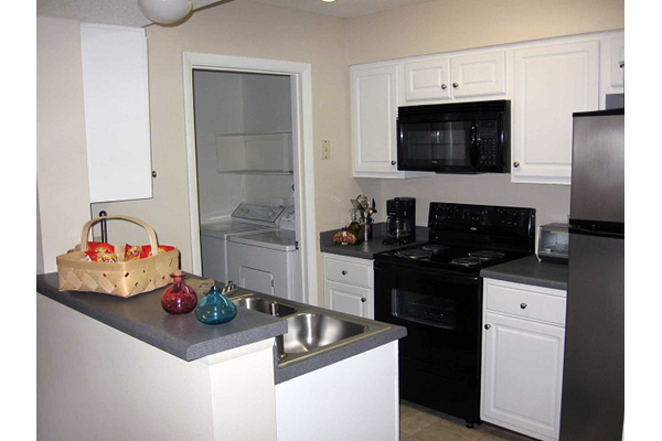 fully equipped kitchen at Cypress Pointe, Wilmington, NC,28403