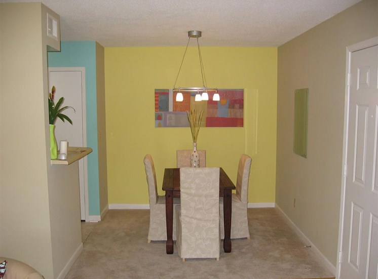 Dining Area at Northtowne Village Apartment Homes in Hixson, TN, 37343
