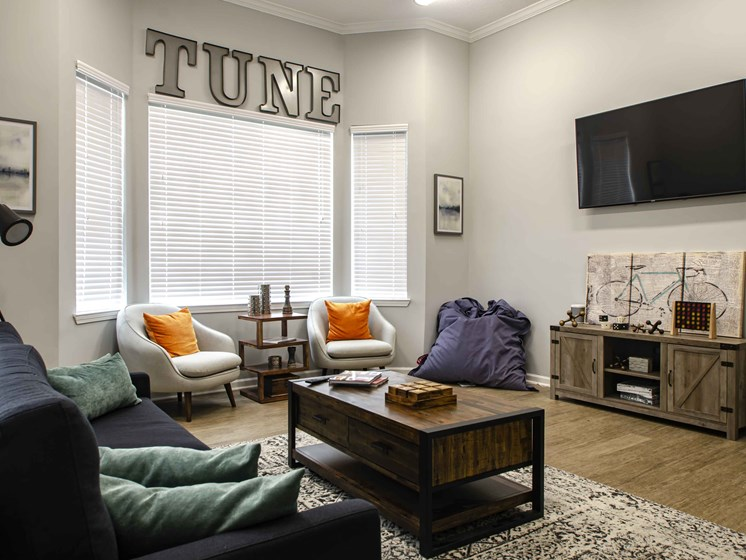 Decorated Living Room With Natural Light, at Wyndchase at Bellevue Apartments, Nashville Tennessee