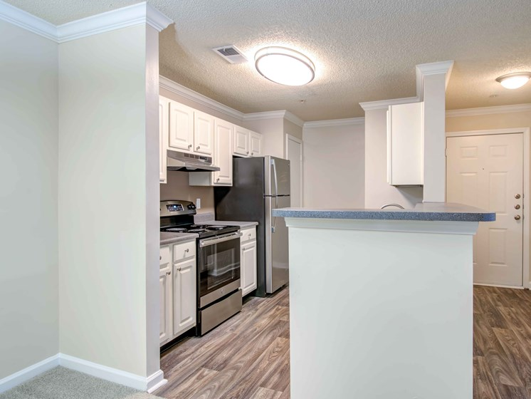 White Cabinetry and Appliances at Waterford Landing Apartments, Tennessee