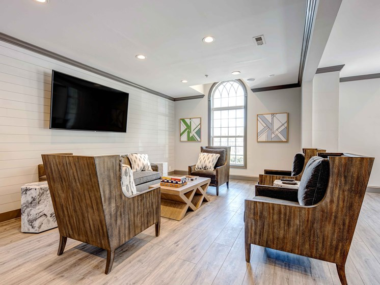 Spacious Living Room With Plank Flooring at Forest Ridge Apartments, Knoxville, TN, 37931