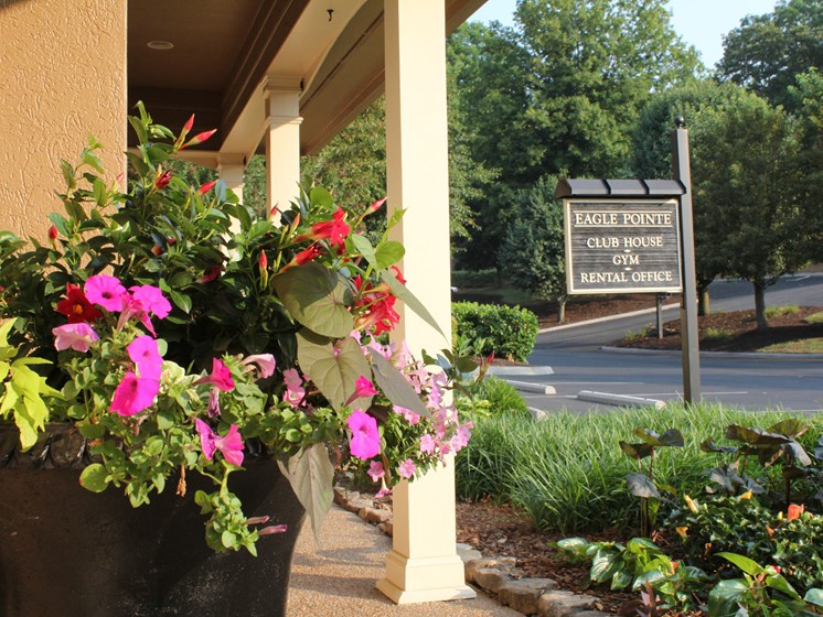 Convenient To Shopping and Dining at Eagle Pointe, Knoxville, TN,37931