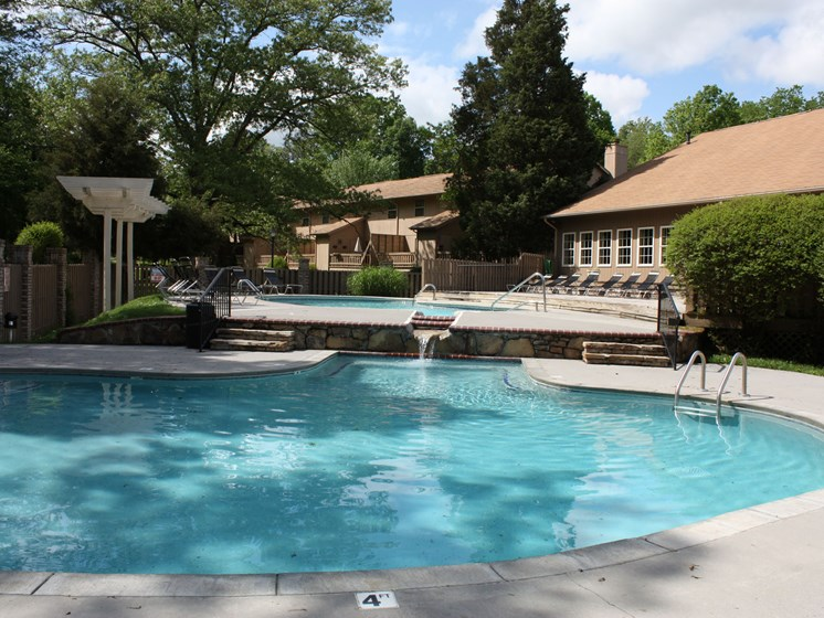 Eagle Pointe, Knoxville, TN,37931 has 4 Resort Style Pools
