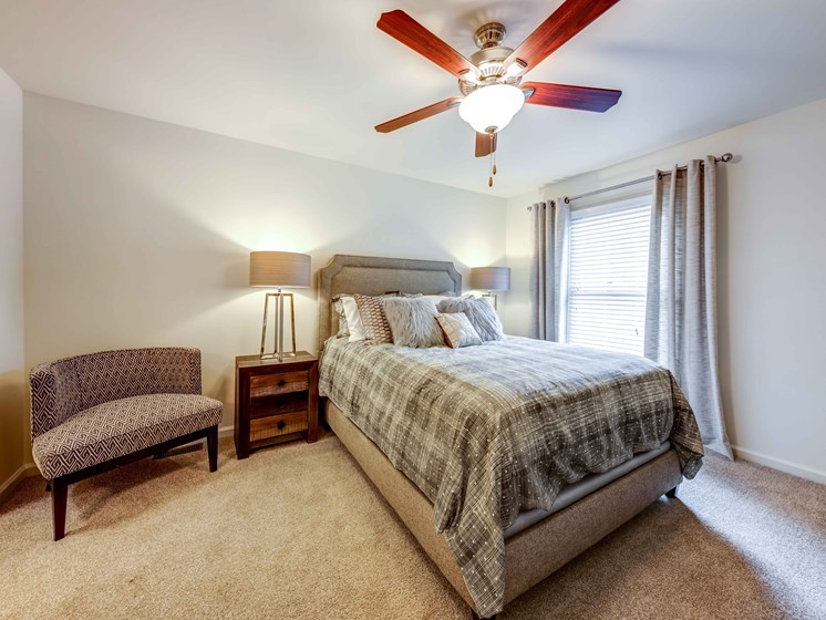 Comfortable Bedrooms With Ceiling Fans at Smoky Crossing Apartments, Seymour