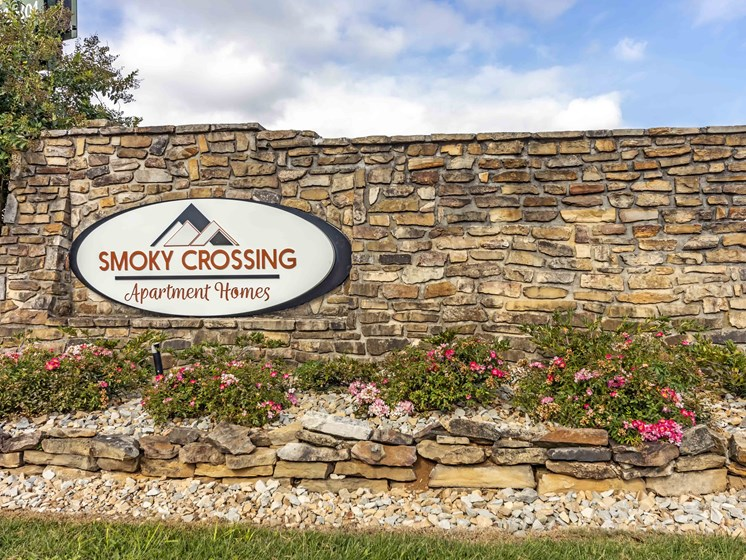 Classic Property Signage Designs at Smoky Crossing Apartments, Seymour